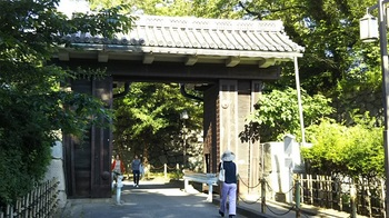 CC⑤二の丸門から東門へ.jpg